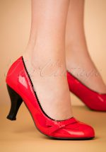 50s Dragonfly Pumps in Red