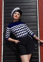 60s Vanilla Top in Navy and White