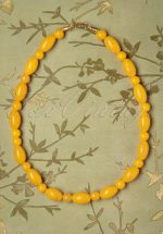 TopVintage Exclusive ~ 50s Lemon Carved Beaded Necklace in Yellow