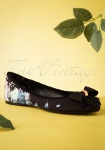 50s Blossom Flats in Black