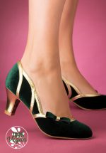 20s Camille Velvet Pumps in Green