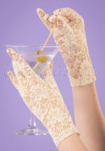 50s Lady Mary Lace Gloves in Capucine Cream