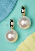 50s Go Big Or Go Home Pearl Earrings in Gold