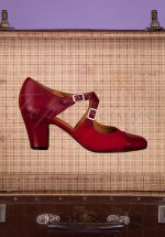 40s Days Away Leather Pumps in Passion Red
